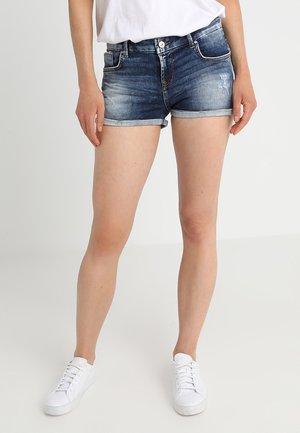 JUDIE - Jeans Short / cowboy shorts - noemy wash