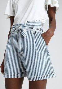 LTB - DORLA - Shorts - blue/white - 4