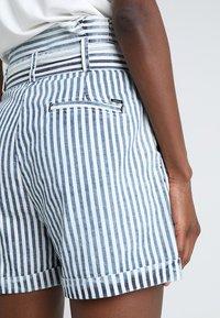 LTB - DORLA - Shorts - blue/white - 6