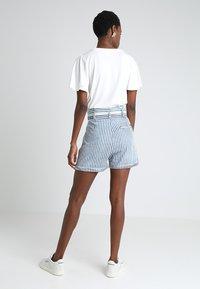 LTB - DORLA - Shorts - blue/white - 3