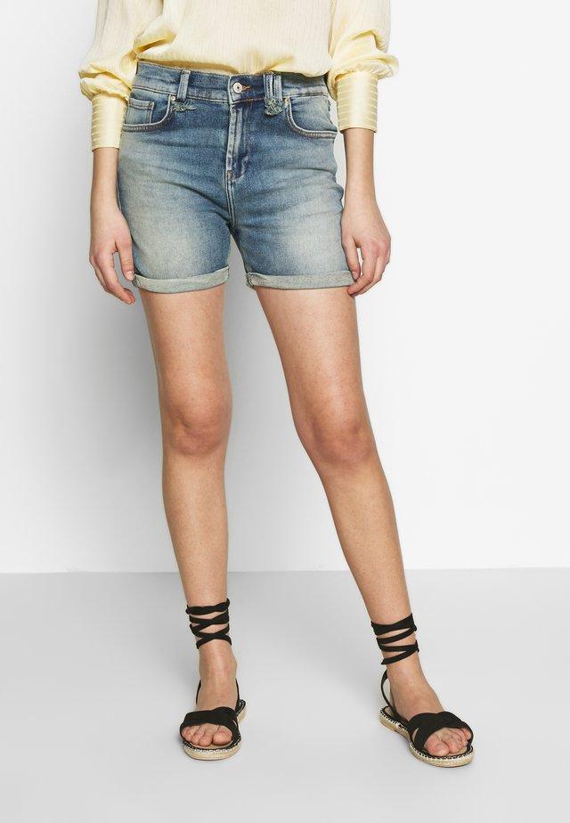 MILENA - Jeans Shorts - blue denim