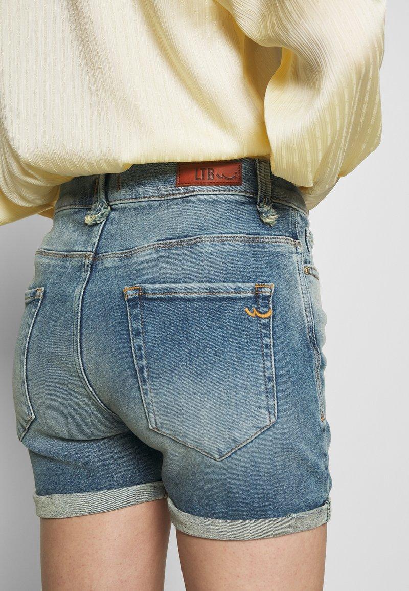 LTB MILENA - Jeansshorts - blue denim