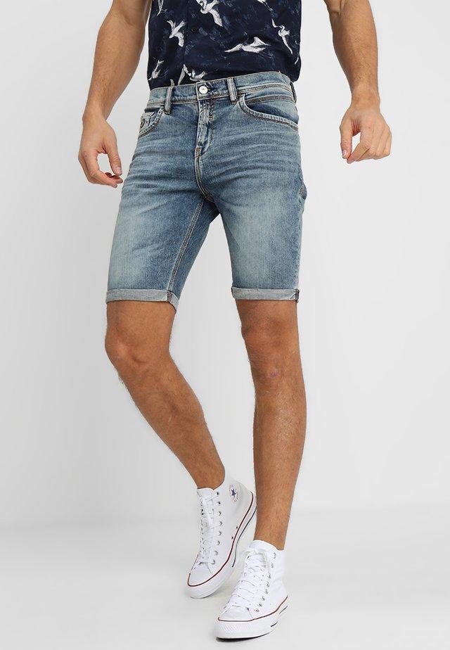 LANCE - Jeans Shorts - laredo wash