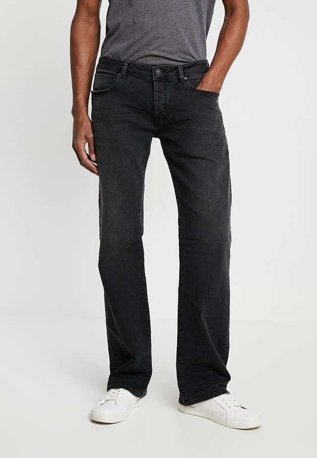 RODEN - Bootcut jeans - olimpio wash