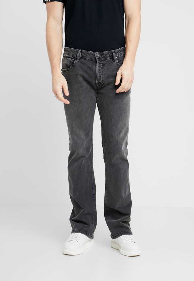 RODEN - Jeans Bootcut - gadia wash