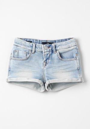JUDIE  - Jeans Short / cowboy shorts - cari wash