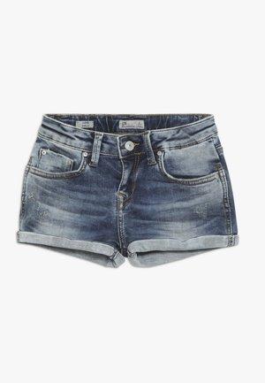 JUDIE  - Denim shorts - mirage wash