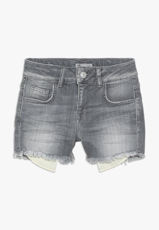 PAMELA - Jeans Shorts - luce wash