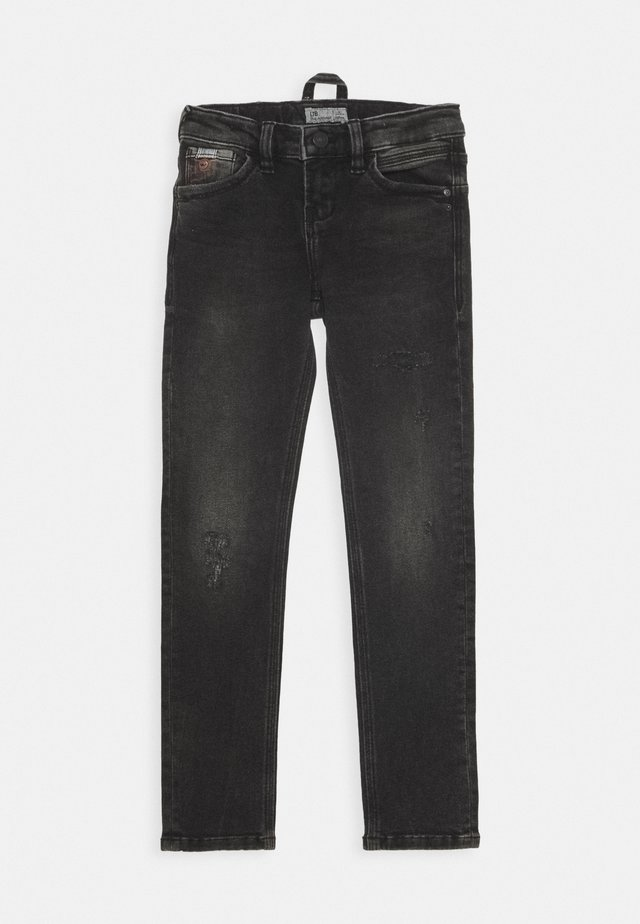 CAYLE - Slim fit jeans - dolly wash