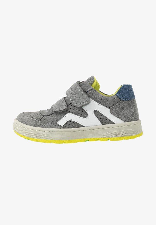 DOMINIK - Trainers - grey
