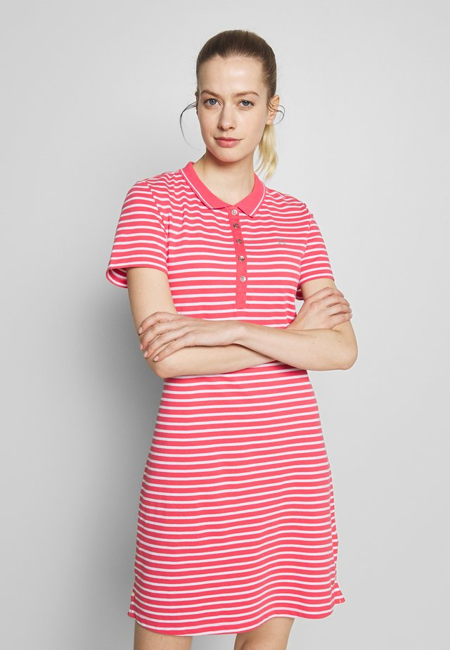 ANTSKOG - Jersey dress - hot pink