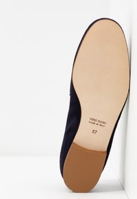 Luca Grossi - Slippers - dark blue - 5