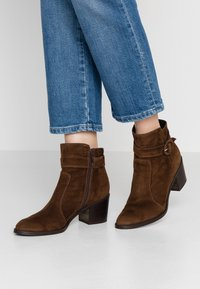 Luca Grossi - Ankle boots - marrone - 0