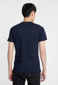 Luke 1977 - GORDEN - T-shirt med print - navy - 2