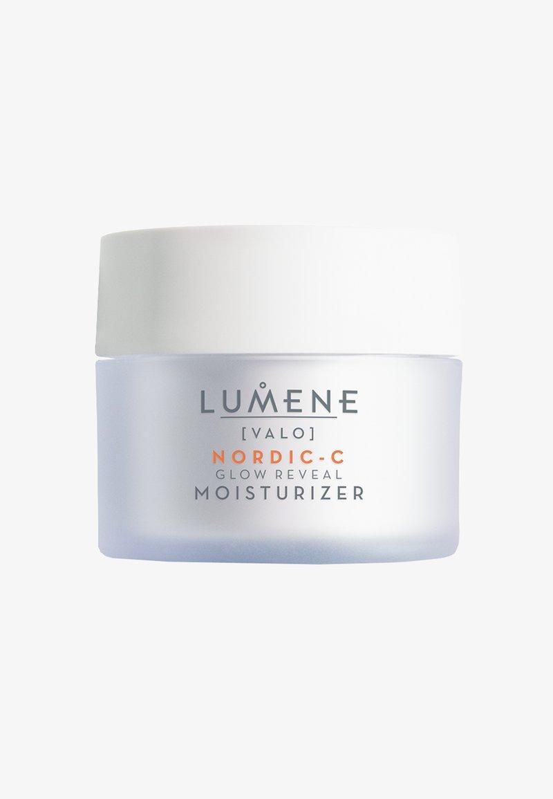 Lumene - NORDIC C [VALO] GLOW REVEAL MOISTURIZER 50ML - Dagcrème - -
