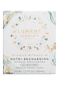 Lumene - NORDIC RITUALS [HARMONIA] NUTRI-RECHARGING INTENSE MOISTURIZER 50ML - Dagcrème - - - 1