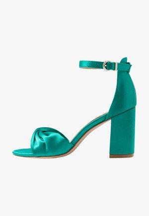 DEB - Sandaler med høye hæler - green