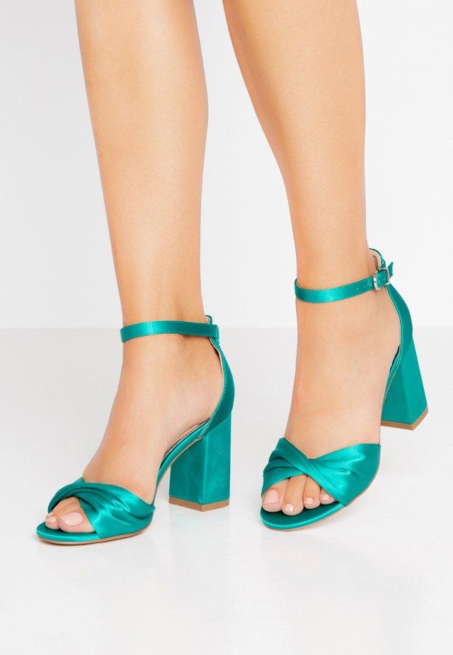DEB - Sandaletter - green
