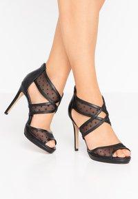 Lulipa London - DESTINY - Sandály na vysokém podpatku - black - 0