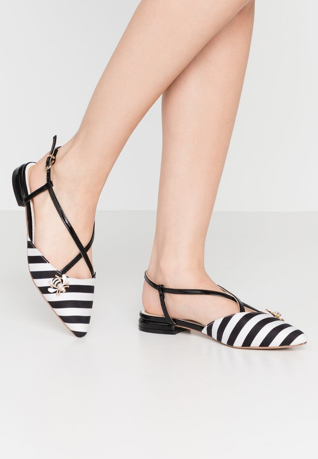 LEYA - Sandalen - black/white