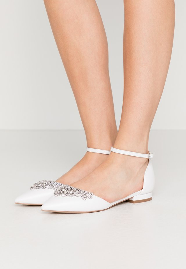 LOULOU - Ankle strap ballet pumps - white