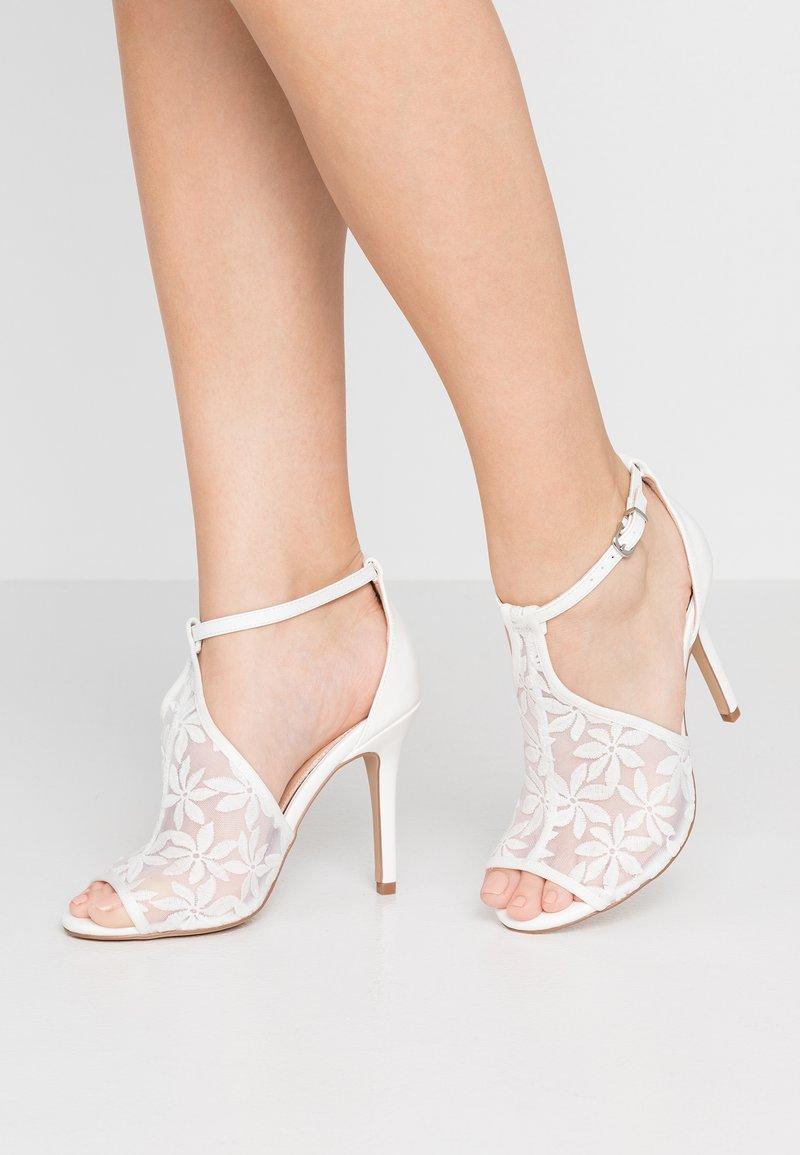 Lulipa London - DEEDEE - Zapatos altos - white