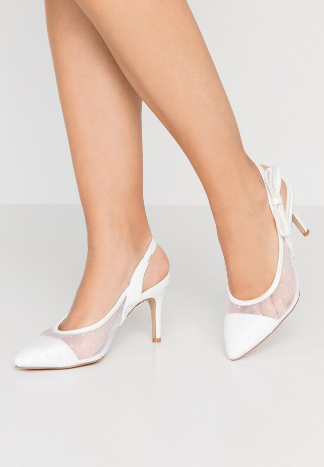 DARLING - Klassiska pumps - white