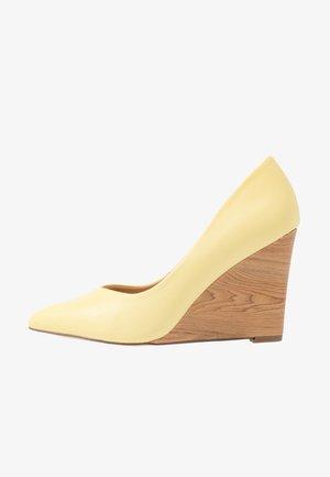 LEYSA - High Heel Pumps - yellow