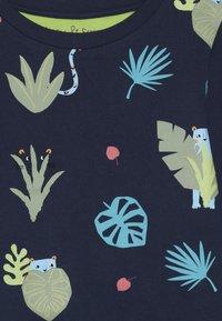 Lucy & Sam - SPOT THE LEOPARD JUNGLE TRACKSUIT BABY - Mikina - dark blue - 4