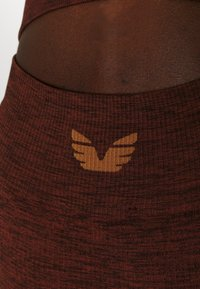 L'urv - VIRTUE SEAMLESS BIKE SHORT - Legging - rust - 4