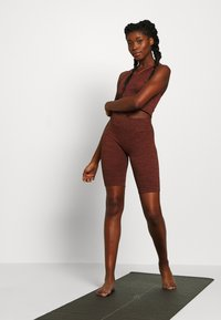 L'urv - VIRTUE SEAMLESS BIKE SHORT - Legging - rust - 1