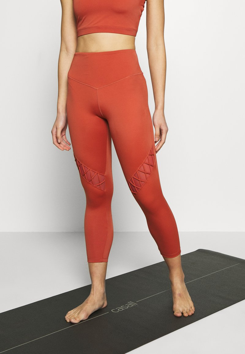 L'urv - GRACEFUL GRAVITY LEGGING - Legging - rust