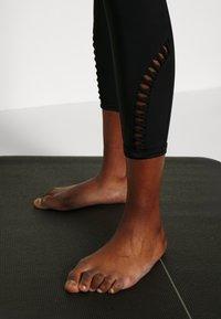 L'urv - PINNACLE LEGGING - Legging - black - 3