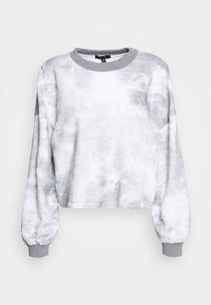 SOLAR MIST - Sweater - sky