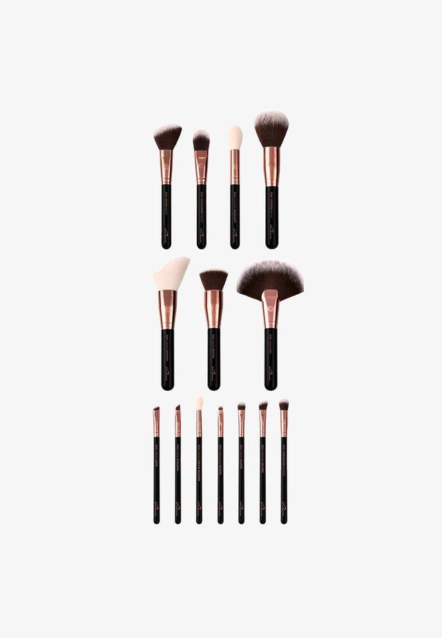 ESSENTIAL BRUSHES - Makeupbørstesæt - black diamond