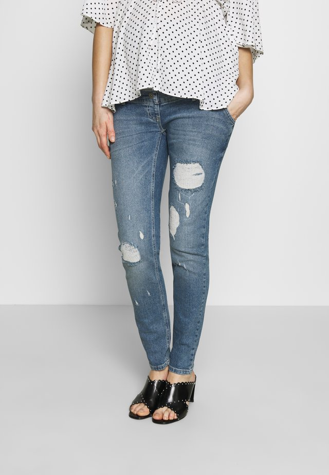 JEANS MOMFIT DESTROYED - Jeansy Skinny Fit - stonewash