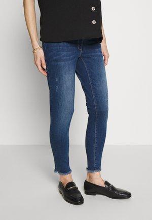 SOPHIA  DESTROYED - Slim fit jeans - stonewash