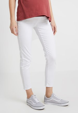 KEIRA CROPPED - Jeans slim fit - white