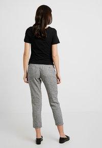 LOVE2WAIT - LOOSE PANT - Pantaloni - black - 2