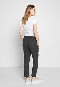 LOVE2WAIT - PANTS LINNEN TOUCH - Spodnie materiałowe - charcoal - 2