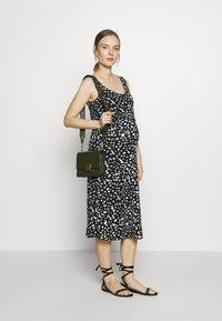 LOVE2WAIT - DRESS ELASTIC NURSING  - Sukienka z dżerseju - black - 1
