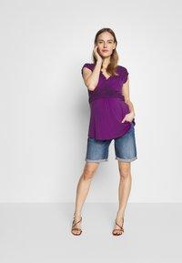 LOVE2WAIT - NURSING CROCHET - Camiseta estampada - purple - 1