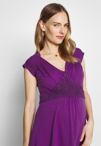 LOVE2WAIT - NURSING CROCHET - Camiseta estampada - purple - 3