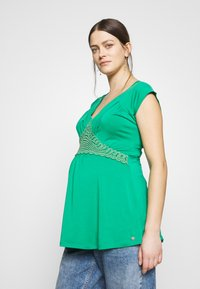 LOVE2WAIT - NURSING CROCHET - Camiseta estampada - green - 0