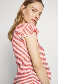 LOVE2WAIT - RUFFLED STRIPED - Printtipaita - red - 3
