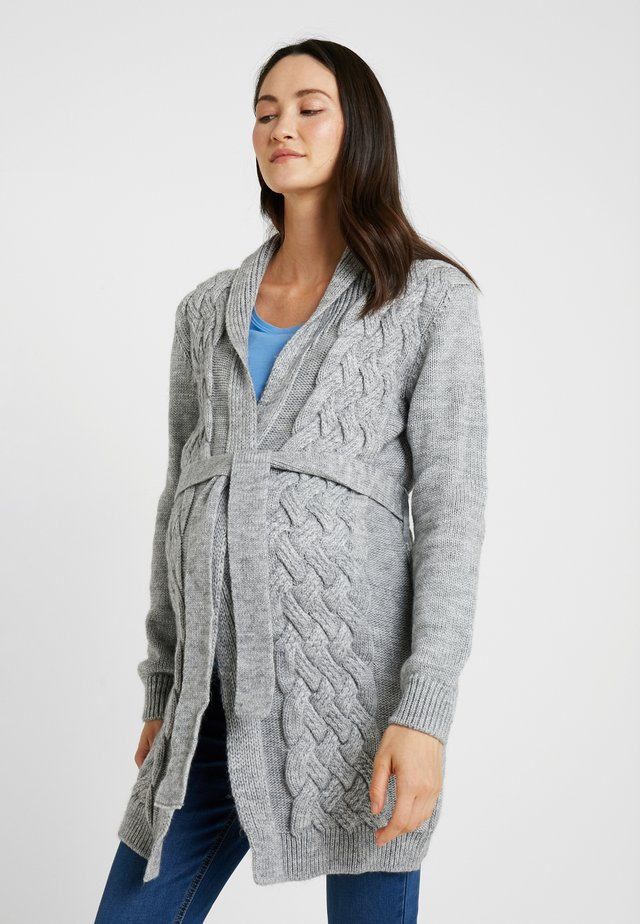 CARDIGAN CABLE - Strickjacke - grey