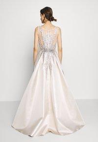 Luxuar Fashion - Společenské šaty - champagner - 2
