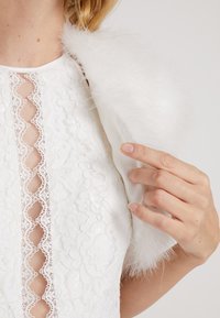 Luxuar Fashion - Neuletakki - ivory - 5