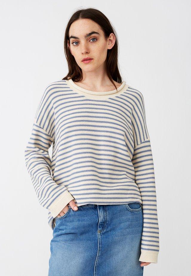 Stickad tröja - white/blue