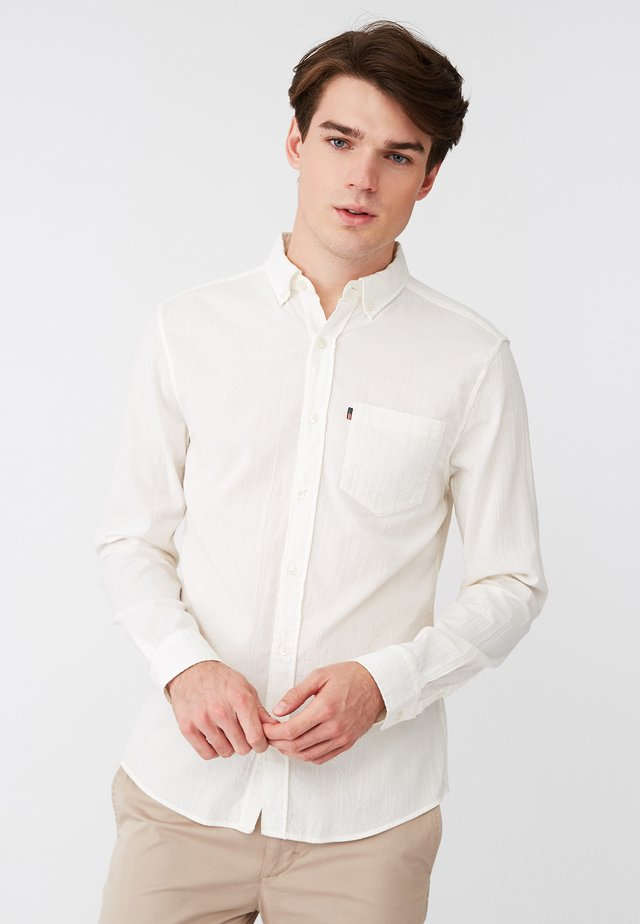 SLIM FIT - Shirt - off-white